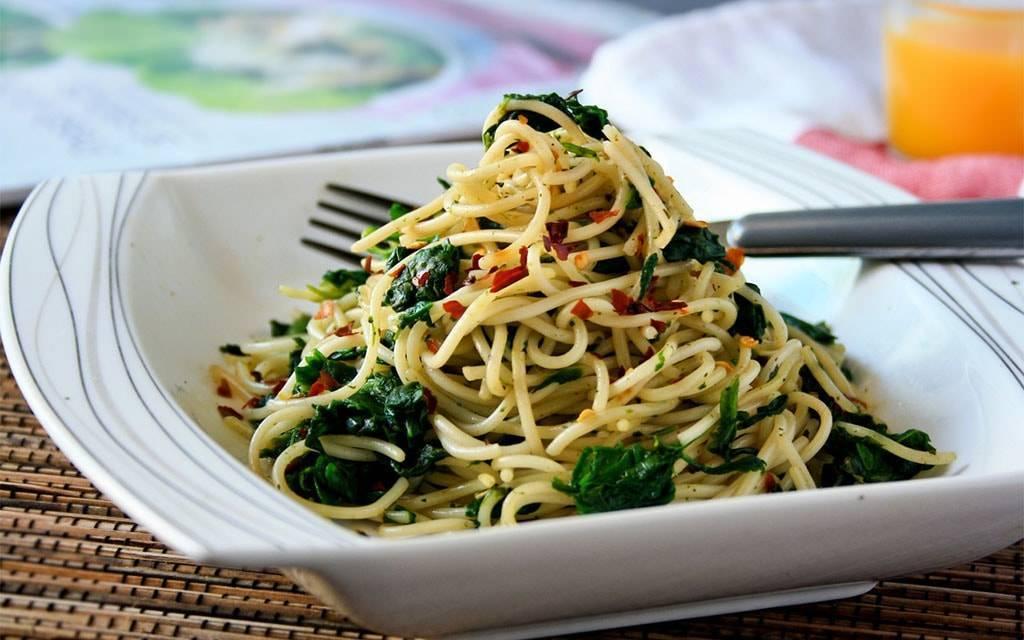 Как приготовить спагетти с соусом песто — традиции итальянской кухни