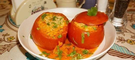 Помидоры, фаршированные овощами и рисом: калорийность на 100 г, белки, жиры, углеводы