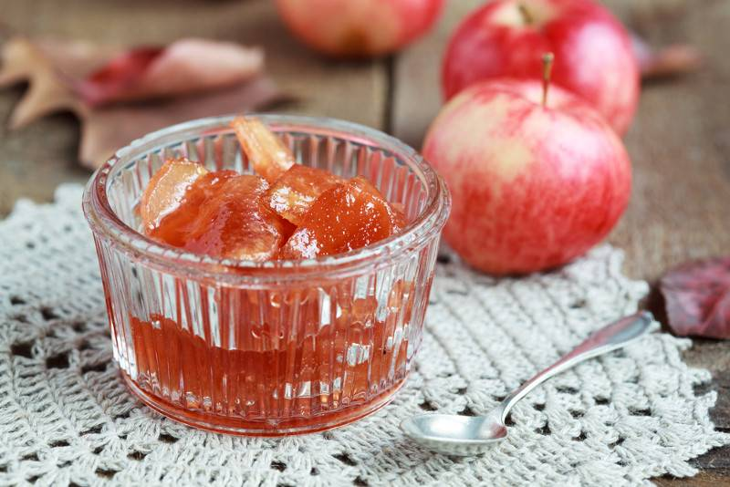 Прозрачное варенье из яблок дольками — 7 быстрых рецептов на зиму