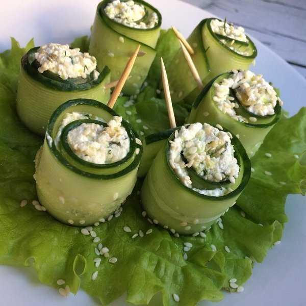 Малосольные огурцы с зеленью и чесноком быстрого приготовления – 8 рецептов с пошаговыми фото