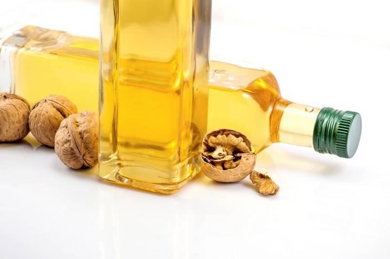 Масло грецкого ореха: польза и вред, состав, применение