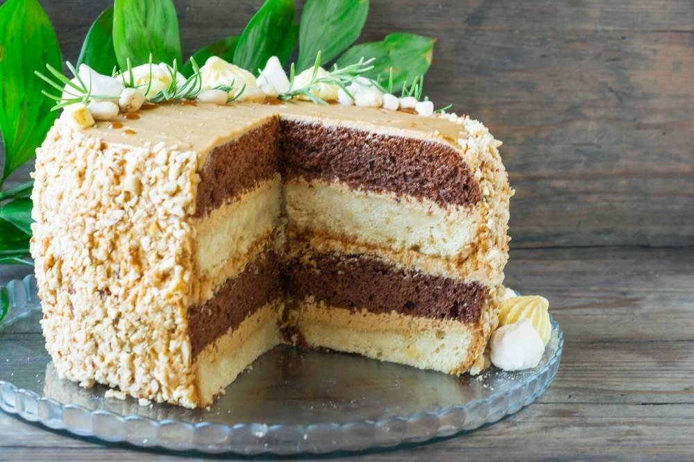 Шоколадный кекс с арахисом – кулинарный рецепт