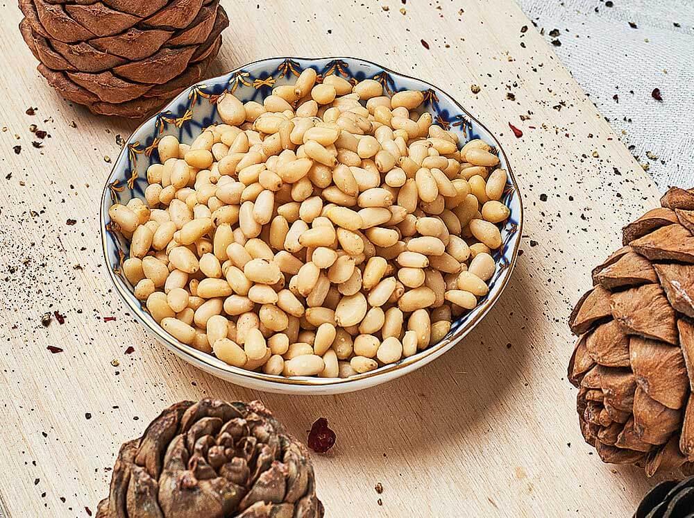 Кедровые орехи: польза и вред для женщин, мужчин, пожилых и детей