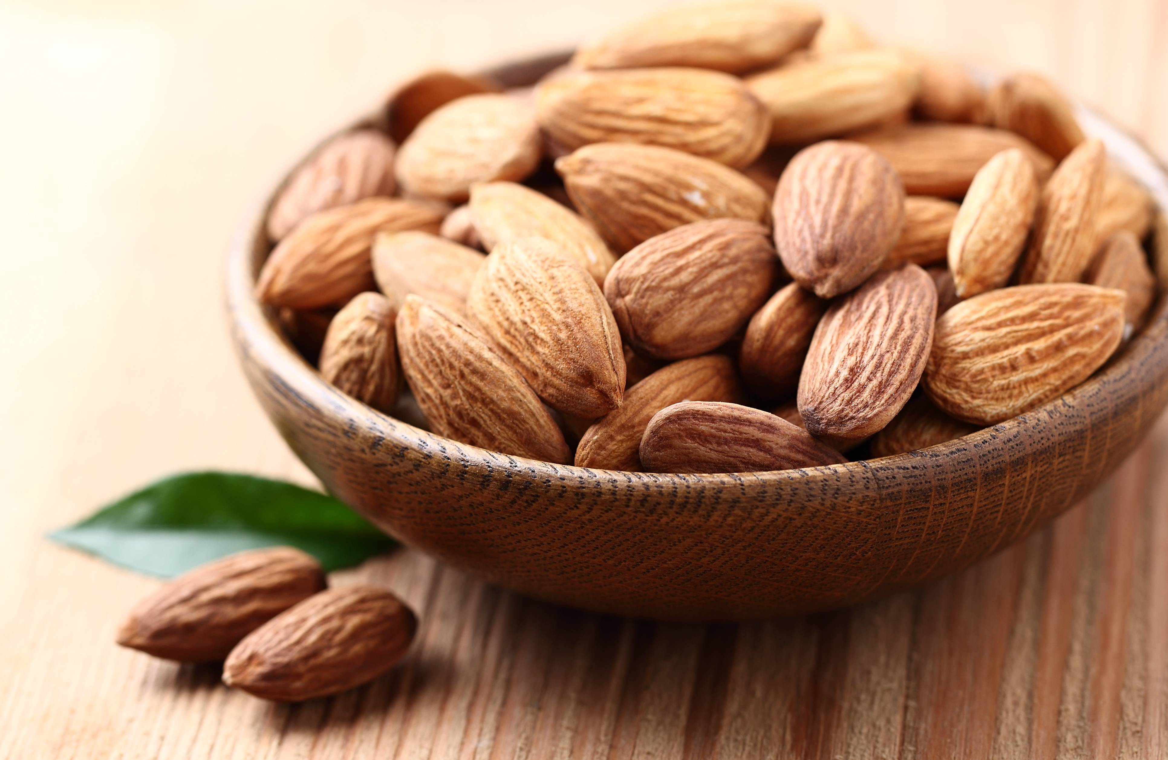 9 полезных свойств миндаля для здоровья, а также противопоказания