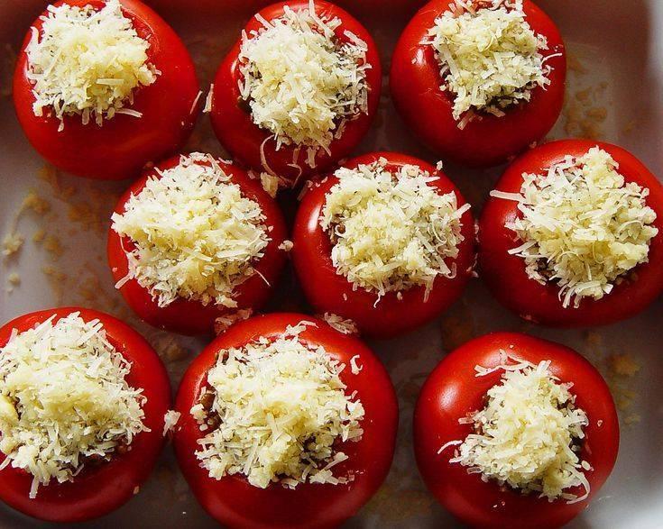 Помидоры, фаршированные рисом и овощами. кулинарная книга православных постов
