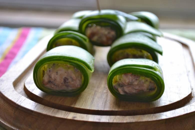 Малосольные огурцы с зеленью и чесноком быстрого приготовления – 8 пошаговых рецептов