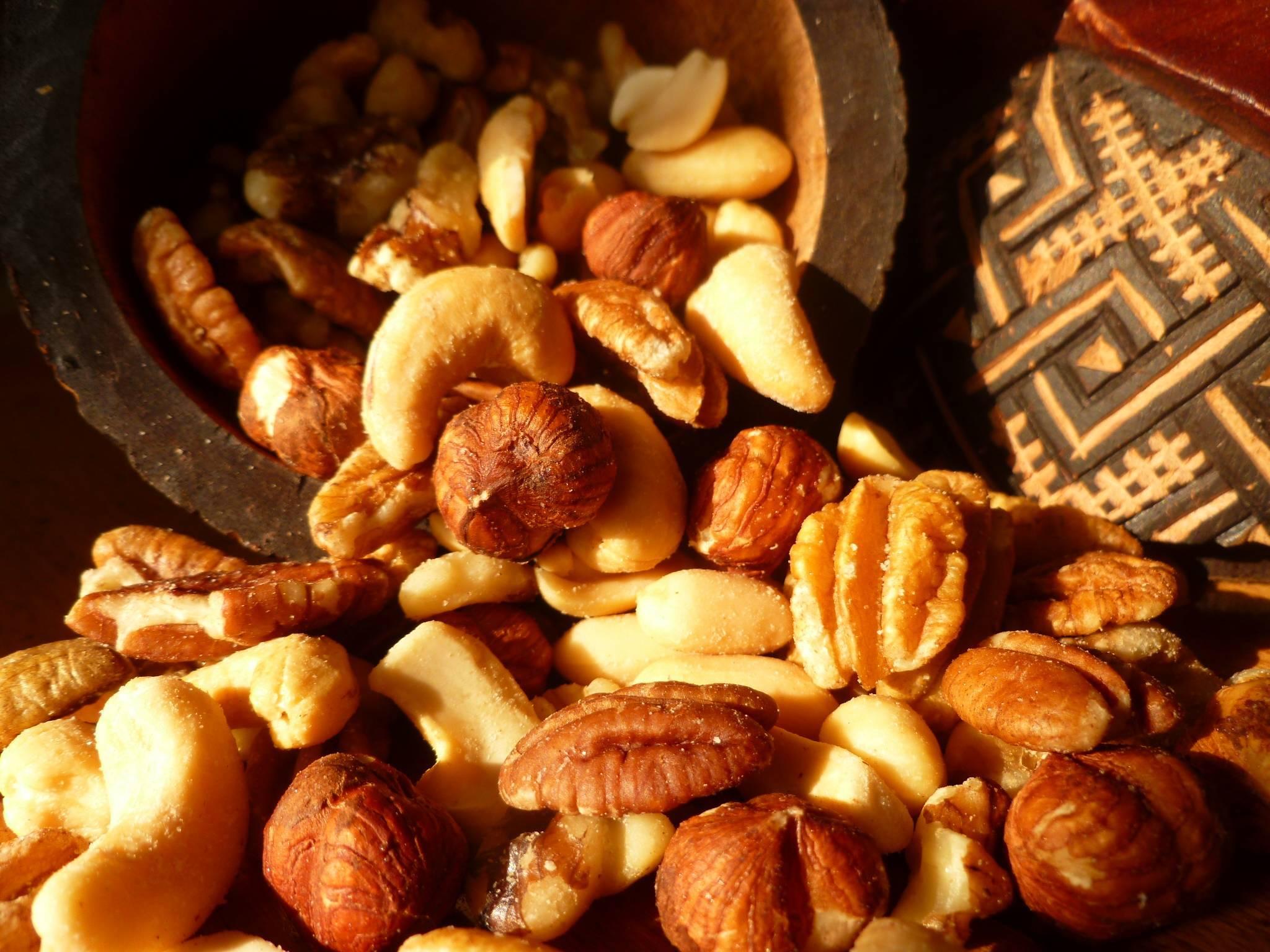 Можно ли есть миндаль при похудении: как кушать орехи при диете и сколько употреблять в день, чтобы похудеть, в чём их польза для женщин и какие существуют рецепты?