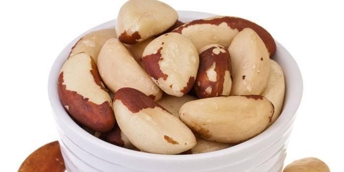 Бразильский орех: полезные cвойства и вред, противопоказания и применение