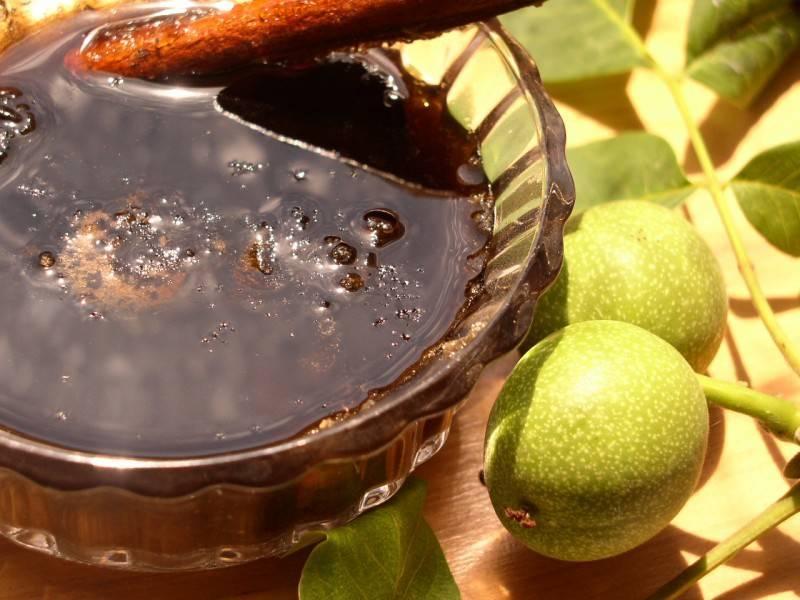 Польза и вред зелёного грецкого ореха