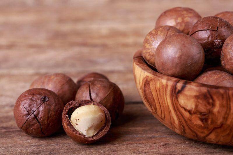 Польза скорлупы макадамии: чем полезна настойка королевского ореха на водке, ее свойства и возможный вред от применения плодов австралийского дерева
