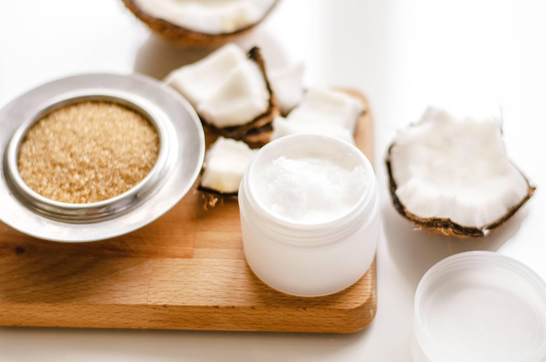Кокосовое масло от растяжек при беременности — полезные свойства, применение и отзывы